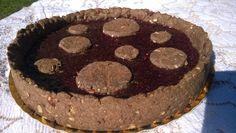 Linzer Torte - Base de cacao y avellanas, rellena de dulce de frambuesas del sur de nuestro país. Probala! belas.info@gmail.com o www.Facebook.com/belas.blogdecocina #belas #cake #berries #lizertorte #pie