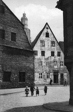 1914, Budynek starej rzeźni, za kościołem św Elżbiety.