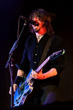 Foo Fighters 2011...yet another great photo from Henry!!!