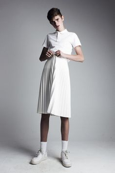boys as boys in skirts (and dresses) Queer Fashion, Androgynous Fashion, Androgynous Girls, Fashion Week, High Fashion, Fashion Outfits, Tomboy Outfits, Emo Outfits, Urban Fashion