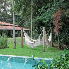 Lazy Day Backyard Hammock and Pergola Ideas for Relaxing Summer 09 Backyard Hammock, Cozy Backyard, Pergola Patio, Hammock Ideas, Hammocks, Backyard Ideas, Outdoor Hammock, Hammock Posts, Diy Hammock