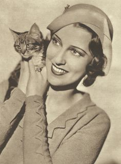 Jeanette MacDonald <3 1932: aw and her cat!!!