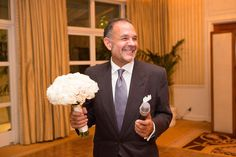 Bouquet from @EmptyVase, suit @TomFord, venue @ThePeninsulaBH, photo @dukeimages for @dpressmanevents