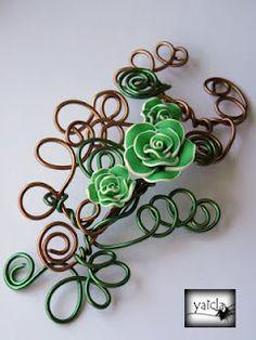 tocado en hilo de aluminio,con flores de porcelana fria