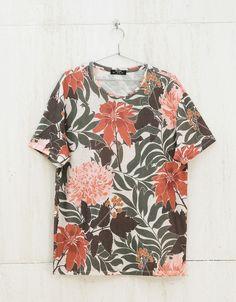 Camiseta allover flores - Festival Style - Bershka España