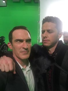 Patrick Fischler : .@joshdallas is mad at me cause I said he looks like a member of Depeche Mode #OuatSeasonFinale #OnceUponATime