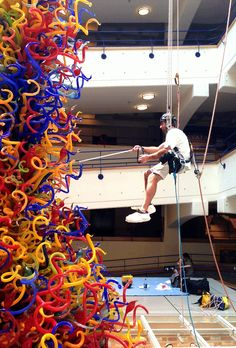 Cleaning the Chihuly at the Children's Museum of  Indianapolis! Thanks to Rebecca Silbermann! #Chihuly