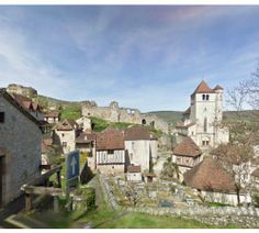 Saint-Cirq-Lapopie, France. Gorgeous views! 9 miles around the countryside and city using #iFit on your #nordictrack or #Proform #treadmill #elliptical #bike #inclinetrainer