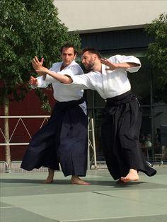 Convention des Sports - B.M.S. AÏKIDO  Démonstration d'Aïkido par les pratiquant(e)s adultes et enfants… Pratique à mains nues associée à celle des armes. Venez participer ou assister à un cours gratuit au Gymnase Langevin Blanc Mesnil.  Renseignements sur le site Internet : http://www.aikido-budo.fr/  #aikido  #aikitaiso #aikiken #aikijo #bukiwaza #aiki #aikidoka #hakama #bokken #bokuto #artmartial #budo