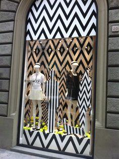 #Monochrome has landed in the windows of Pinko....via @Notonlyavisual