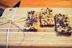 (Super) Easy No-Bake Granola Bars | Free People Blog #freepeople
