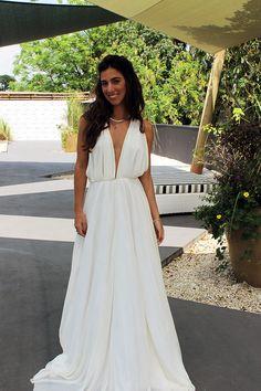 Em clima de feriado, começamos a semana com o look da blogger Luiza Sobral. Um vestido longo, sofisticado e fresh ao mesmo tempo!