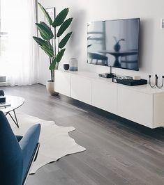 La imagen puede contener: interior A Besta, Marble Top, Flat Screen, Cabinet, Interior, House, Beautiful, Instagram, Lounges