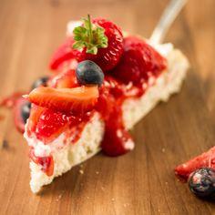 In gerade einmal 10 Minuten fertig: Erdbeertorte! #almablog #strawberrycake #erdbeertorte #einfachesrezept #easyrecipe #quickneasy #yummy