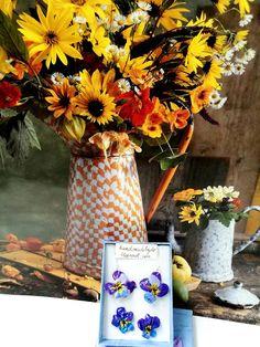 Hand made iris polymer clay earrings and rings set, from silver/ Set cercei si inele cu floare de iris, realizate manual din fimo, pe baza de argint. On October 3rd, July 4th, December, Weeding Favors, Greek Pattern, Ceramic Angels, Flower Stands, Iris Flowers, Coffee Set