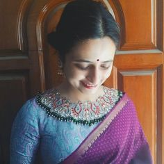 Kerala Saree Blouse Designs, Netted Blouse Designs, Best Blouse Designs, Bridal Blouse Designs, Blouse Neck Designs, Hand Work Blouse Design, Stylish Blouse Design, Stylish Dress Designs, Design Styles