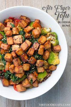 Slightly sweet, savory and packed with protein, this air fryer tofu Buddha bowl is the perfect complete meal. Air Fryer Tofu Buddha Bowl - Looking for recipes to make Tofu more exciting? Try this Air Fryer Tofu Buddha Bowl Air Fryer Recipes Vegetarian, Cooking Recipes, Healthy Recipes, Vegetarian Meal, Fast Recipes, Veggie Recipes, Healthy Meals, Air Fryer Healthy, Vegan Main Dishes