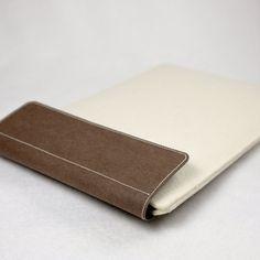 Wool Felt Tablet Computer Sleeve Magnetic Closure by SIDONIEYANG
