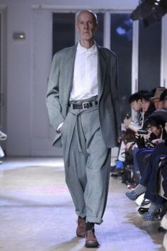 Yohji Yamamoto Menswear Fall Winter 2011 Paris - NOWFASHION