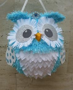 Owl Pinata                                                                                                                                                                                 Más Balloon Pinata, Pinata Party, Owl Birthday Parties, Diy Birthday, Diy And Crafts, Arts And Crafts, Paper Mache Crafts, Baby Owls, Unicorn Party