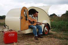 campervan rental: Best of Retro Travel Trailers Retro Travel Trailers, Retro Caravan, Retro Campers, Camper Trailers, Happy Campers, Classic Campers, Vintage Campers, Teardrop Caravan, Teardrop Trailer