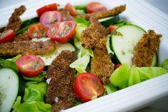 Prueba esta receta de ensalada de pollo empanizado, es una opción nutritiva y realmente deliciosa. ¡Tienes que probarla!