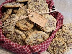 The Wednesday Baker: NEIMAN MARCUS OATMEAL CHOCOLATE CHIP COOKIES