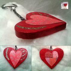 Porte clés coeur rouge ♥♥ coeur en bois déco papier de soie rouge embellissements cœurs & paillettes dorées : Porte clés par creasoize