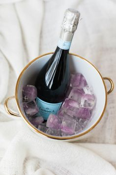 champagne with ice cube flowers!