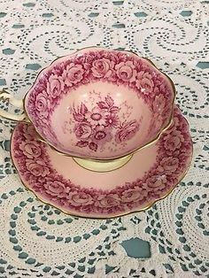 Paragon Tea Cup Saucer By Appointment H.m The Queen Mary Roses