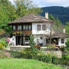 Bulgarian traditional house so much to see whilst staying at… Village House Design, Village Houses, Bird Houses, Orient House, Abandoned Farm Houses, Rural Retreats, Traditional House, My House, Beautiful Places