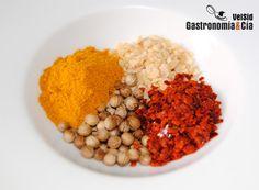 Además de la capital de Sri Lanka, Colombo es una mezcla de especias que se describe como un curry indio, el curry Colombo es un aderezo local que se ha difundido muy poco a diferencia de otras variantes, es además una mezcla de especias más ligera en cuanto a ingredientes que la componen, aunque como siempre, hay variantes según el cocinero, el gusto o la tradición. Donde sí es muy popular es en la cocina franco-caribeña, de hecho, también se conoce como curry caribeño, pues fue llevado al…