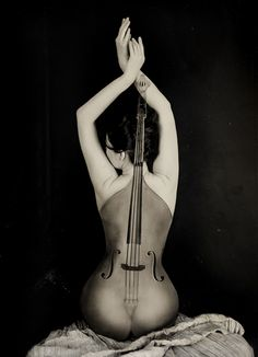 The body of a woman is the best instrument . waiting to be played Man Ray, Music Love, Art Music, Body Painting, Double Bass, Human Body, Violin, Female Bodies, Body Art