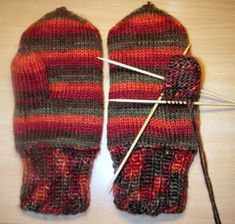 Ulla 01/06 - Neuleohjeet -Tuplalapaset Knitted Hats, Gloves, Knitting Ideas, Patterns, Fashion, Block Prints, Moda, Fashion Styles, Fashion Illustrations