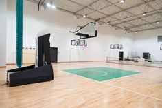Profesjonalna konstrukcja jezdna do koszykówki Spalding 3,25