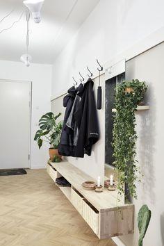 White Kitchen Decor, Hallway Inspiration, House Styles, Diy Bedroom Decor, House Inside, Apartment Chic, Bedroom Decor, Home Design Decor, Eket