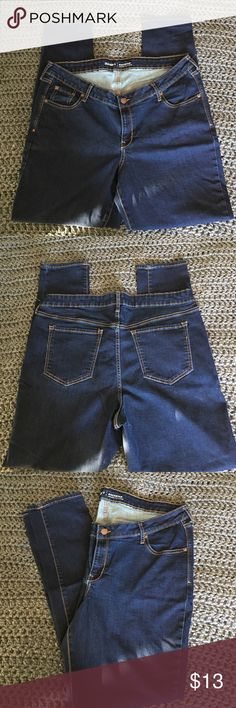 Old Navy Rockstar Jeans Old Navy Rockstar low rise jeans. Women's size 18 long, dark rinse. In great shape. Old Navy Jeans Skinny