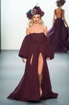 Michael Costello at New York Fashion Week Spring 2017 - Runway Photos