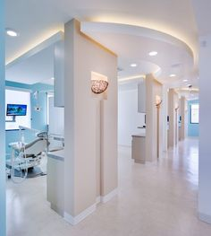 Private Dental Office Names Dental Office Decor, Medical Office Design, Modern Office Design, Healthcare Design, Dental Offices, Modern Offices, Clinic Interior Design, Clinic Design, Cabinet Medical