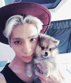 Oh my gosh, that puppy is so flipping adorable!!!....And Jonghyun! xD (Honestly, that puppy is for real showing up Jjong right now. Sorry, Oppa. xD)