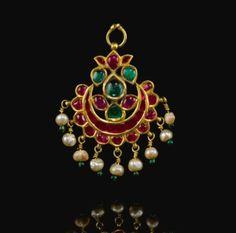 A gem-set forehead ornament pendant (Tikka), Gudarat, India,circa 1700.