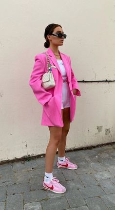 Blazer Outfits For Women, Trendy Outfits, Cool Outfits, Fashion Outfits, Style Fashion, Street Style Edgy, Street Style Women, Colourful Outfits, Streetwear Fashion