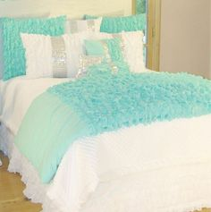 Mint and white-adorable!