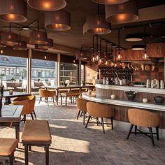 Rooftop Restaurant – Above the rooftops of Zurich - All For Decoration Modern Restaurant, Cafe Restaurant, Restaurant Lighting, Cafe Bar, Oyster Restaurant, Bar Interior, Restaurant Interior Design, Café Design, Coffee Restaurants