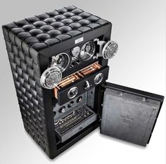 Döttling has released its latest safe, The Fortress, which is claimed to be the safest luxury safe in the world. This safe is available in certified security Handcuff Key, Home Safes, Vaulting, Interiores Design, Cool Gadgets, Luxury Furniture, Furniture Ideas, Luxury Lifestyle, Fathers Day Gifts