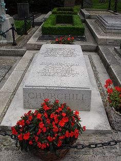 Gravesite of British Prime Minister Winston Churchill. Churchill also won the Nobel Prize for Literature and was made an honorary citizen of the United States of America. Cemetery Monuments, Cemetery Headstones, Old Cemeteries, Cemetery Art, Graveyards, Winston Churchill, Julius Caesar, Clementine Churchill, Tombstone Epitaphs