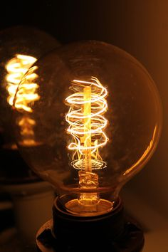 Edison Light Bulb - Round Spiral Filament Now if only I had a gorgeous lamp to fit this to. Edison Lighting, Antique Lighting, Edison Bulbs, Thomas Edison Light Bulb, Globe Lights, Spiral, Fat Shack, Milan, Eclectic Lamps