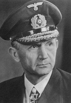 ✠ Karl Dönitz 16 September (1891 – 24 December 1980) RK 21.04.1940 Konteradmiral BdU + [223. EL] 06.04.1943 Großadmiral OB der Kriegsmarine und BdU