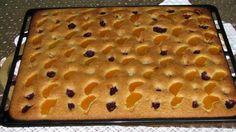 Un chec original cu mandarine și vișine. Este simplu de preparat și aspectuos, se potrivește atât pentru o masă de sărbătoare, cât și ca desert după cină sau prânz. INGREDIENTE: -1 lingură de ulei; -1 pahar de apă carbogazoasă (250 ml); -4 ouă; -1,5 pahare de zahăr (300 gr); -1 pliculeț de vanilie; -4 pahare de făină (600 gr); -1 pliculeț praf de copt; -3-4 mandarine; -200 gr de vișine conservate. MOD DE PREPARARE: 1.Combinați uleiul cu apa carbogazoasă, apoi adăugați ouă, zahăr, vanilie și… Food And Drink, Pudding, Treats, Sweet, Food, Bakken, Sweet Like Candy, Candy, Goodies