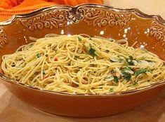 "Tomato Sauce with Mushrooms and ""Fat Spaghetti"" Recipe | Rachael Ray Show"